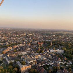Blick auf die Moerser Innenstadt aus dem Ballon